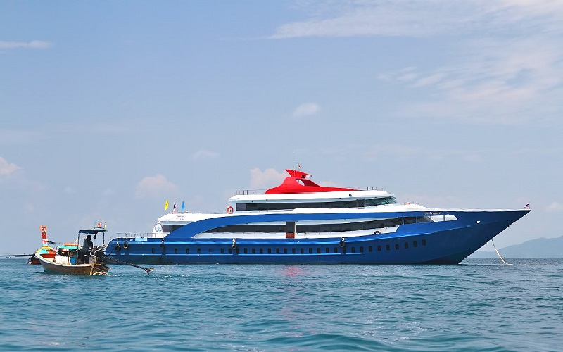Phi Phi Islands Tour by Jet Cruise - 1st Class