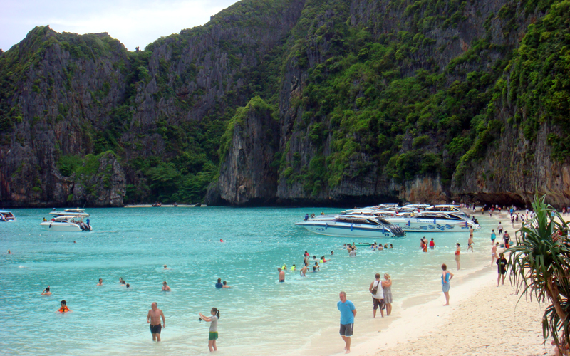 Phi Phi Islands Luxury Tour by Royal Cruise Boat