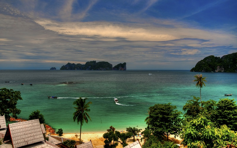 Phi Phi + Khai + Koh Yao Yai Islands Tour by Speedboat