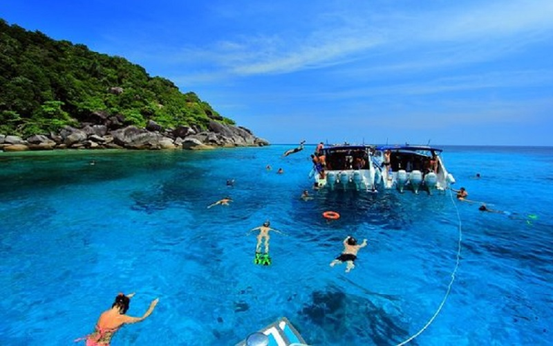 Similan Islands Budget Tour by Speedboat **Minimum 3 Days to advance booking**