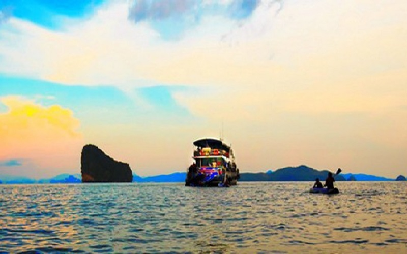 Sunset Dinner in Phang Nga Bay Luxury Tour by Cruise Boat