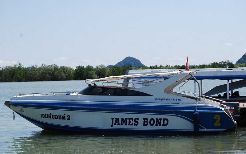 James Bond + Canoe + Shooting Tour by Speedboat